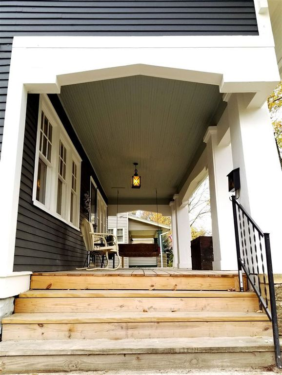 front porch entry steps